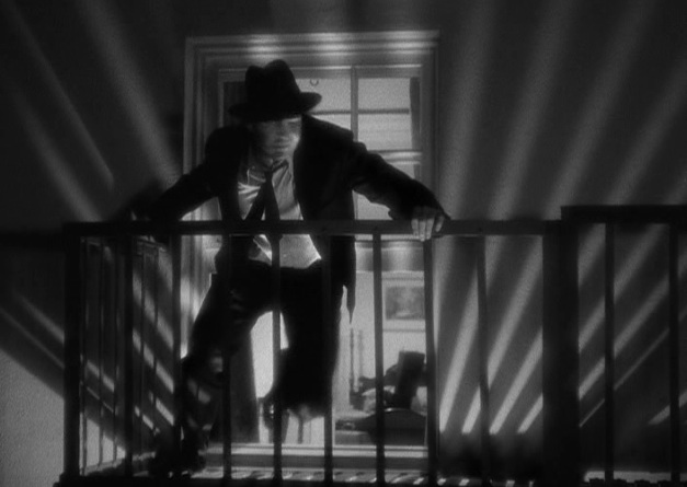 "Collins makes his escape in ""G-Men"" (1935)"