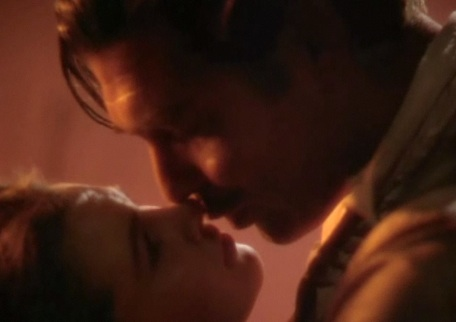"Rhett and Scarlett pucker up in ""Gone with the Wind"""