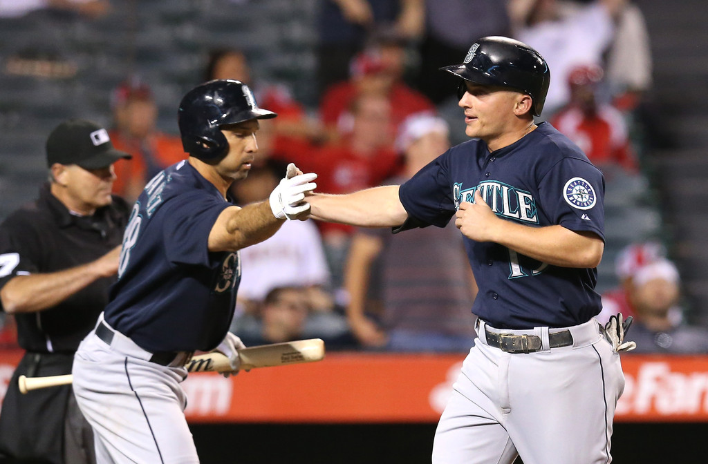Kyle Seagar, Raul Ibanez, lead M's charge