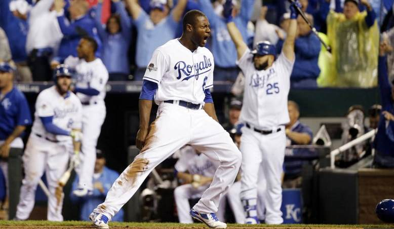 Lorenzo Cain scores from first base on a single by Eric Hosmer for the go-ahead run in the 2015 ALCS