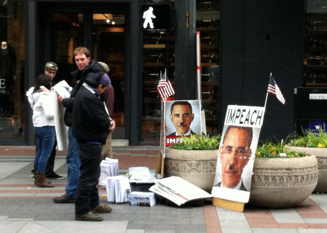 Obama as Hitler: Larouche-ites