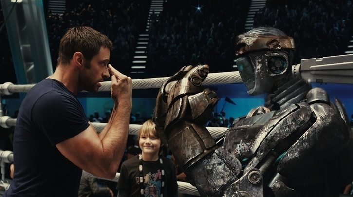 "Hugh Jackman, kid and robot in ""Real Steel"""